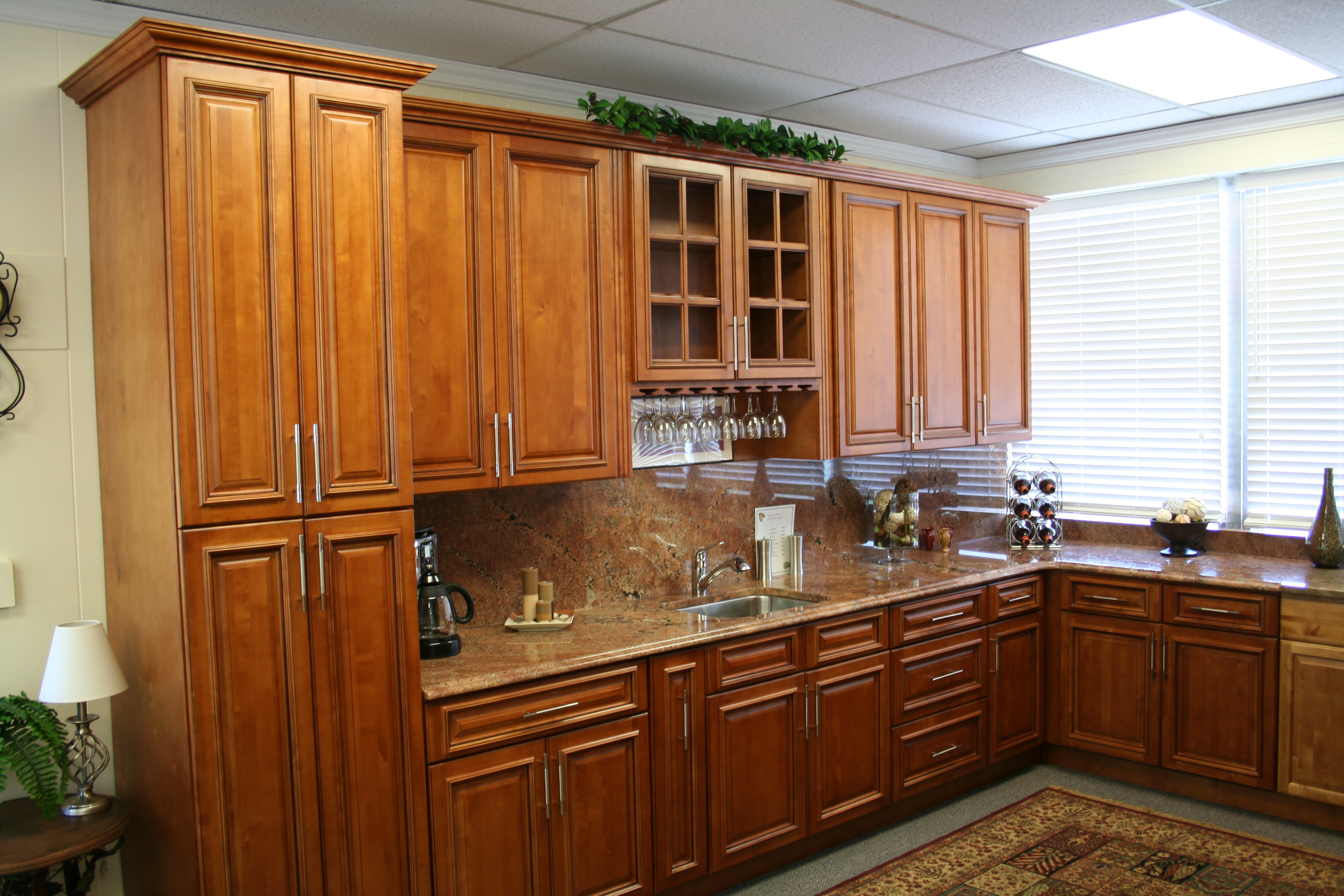 Glazed Maple Cabinets | Cabinets and Granite on Granite Countertops With Maple Cabinets  id=24856